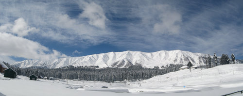 Mt. Apharwat Ridge seen from Gulmarg