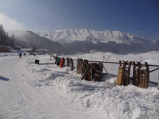Tourists Sleds in Gulmarg, Kashmir
